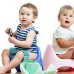 تعليم الطفل دخول الحمام والتخلص من الحفاضات