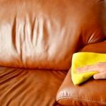 طريقة إزالة بقع الحبر من الجلد بسهولة في المنزل