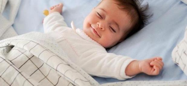 طريقة نوم الطفل بشكل سريع