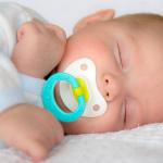 تربية الأطفال الرضع حديثي الولادة