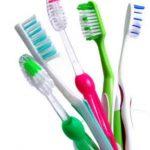 كيف أنظف فرشاة الأسنان وتعقيمها