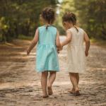 أجمل كلمات وعبارات عن حب الاخوات البنات والأولاد